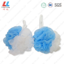 Cleansing mesh bath sponge ball
