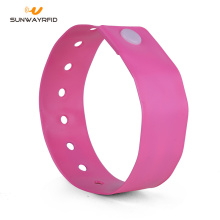 Factory Price for China Pvc Disposable RFID Wristbands,RFID Pvc Wristbands,RFID Pvc Wristbands Wholesale RFID NTAG® 216 Disposable PVC Wristband export to Australia Factories