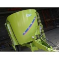 Dairy feeding wagon mixer
