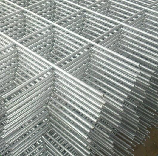 10 Gauge Welded Mesh Roll