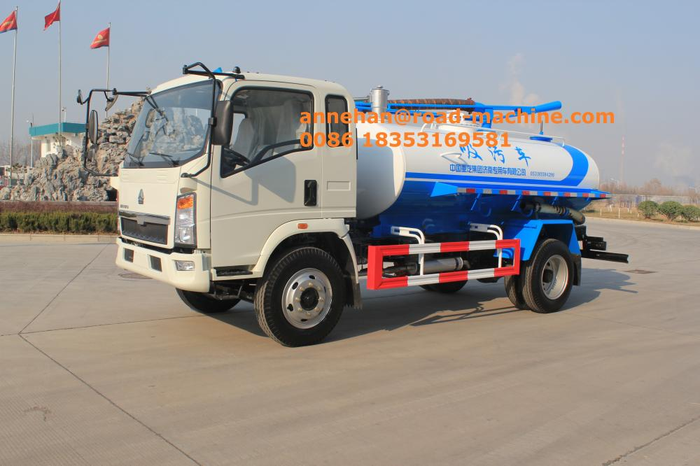 Sinotruk light Vacuum Pump Sludge Truck