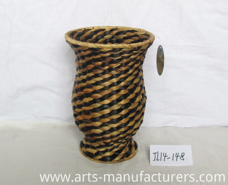 weaving flower vase