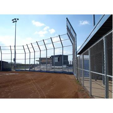 Galvanized iron wire or PVC coated chain link fence
