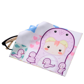 Brighting microfiber cleaning cloth with cute pattern