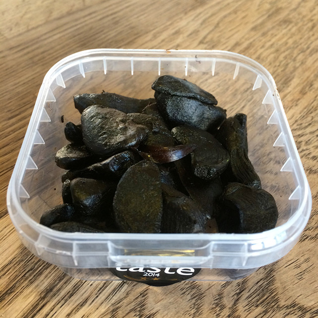 Peeled Black Garlic 4