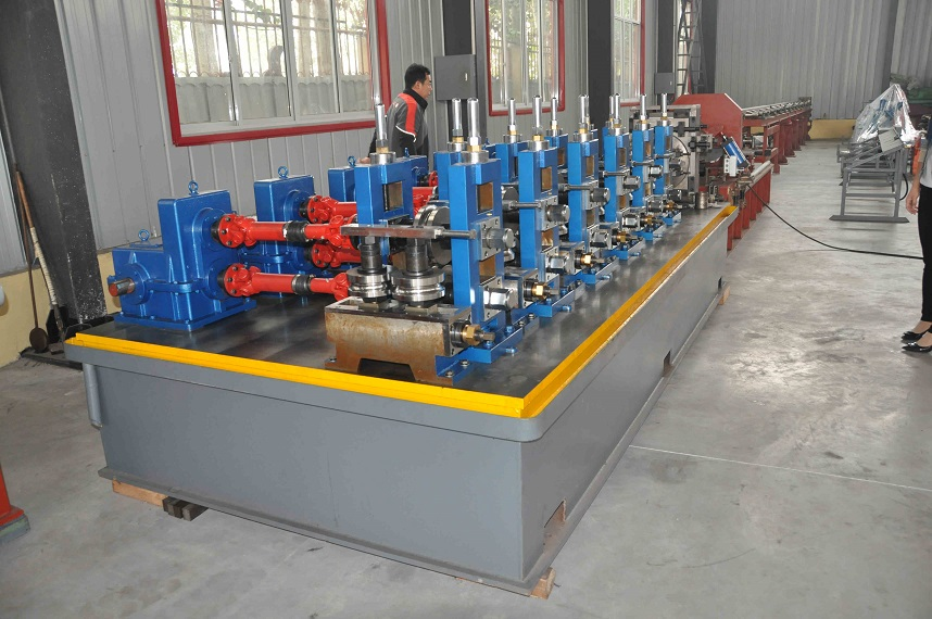 steel pipe welding line for www.yingyee.cn006