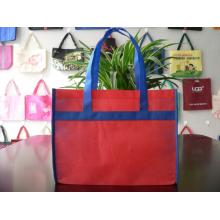 Two-color splicing non woven shopping bag