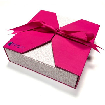 Pink Gift Boxes With Ribbon Bow