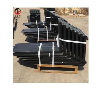 Forging material pallet forks for heavy forklift