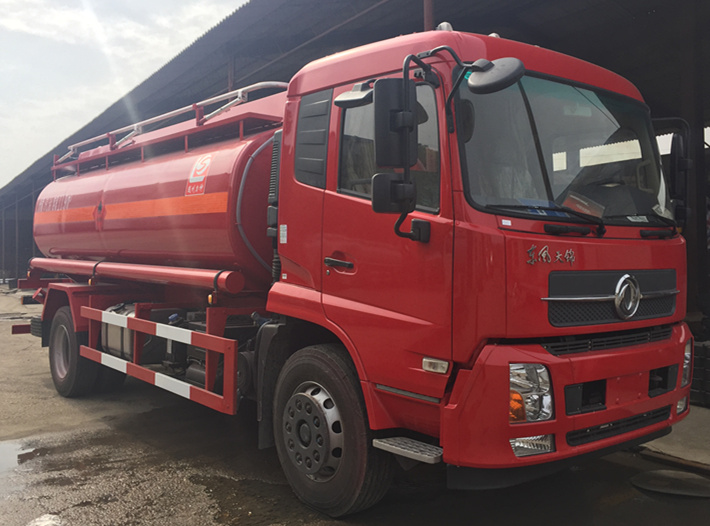 14000 Liters 4X2 Dongfeng Oil Tank Truck