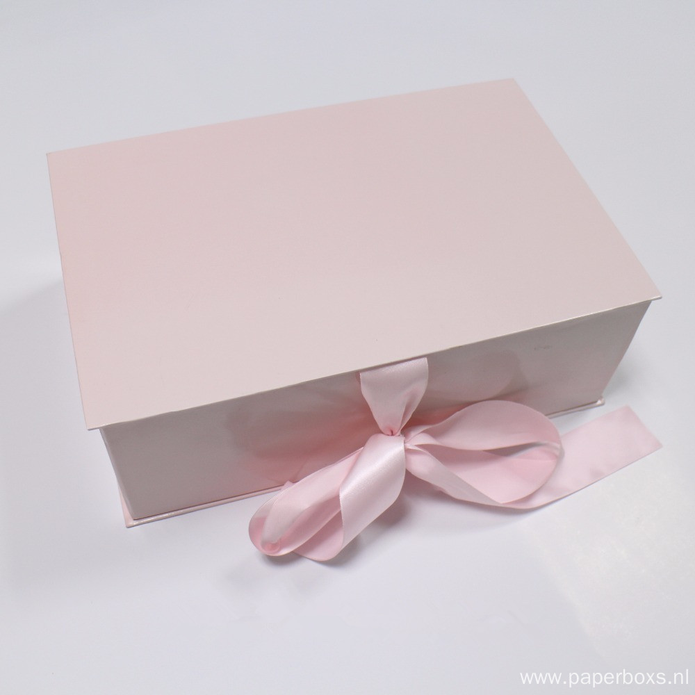 magnetic closure folding pink gift box