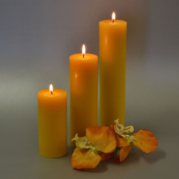 Home Decoration Yellow Color Natural Beeswax Pillar Candle