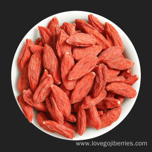 Enjoy the healthy goji berries tea