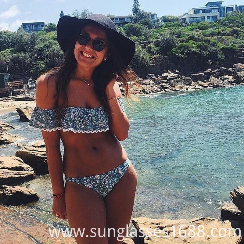 Lace Word Shoulder Big Bikini Swimsuit