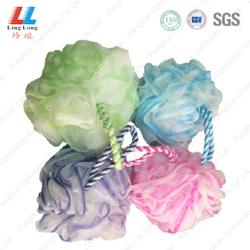 Mesh gradient sponge ball with Nylon rope