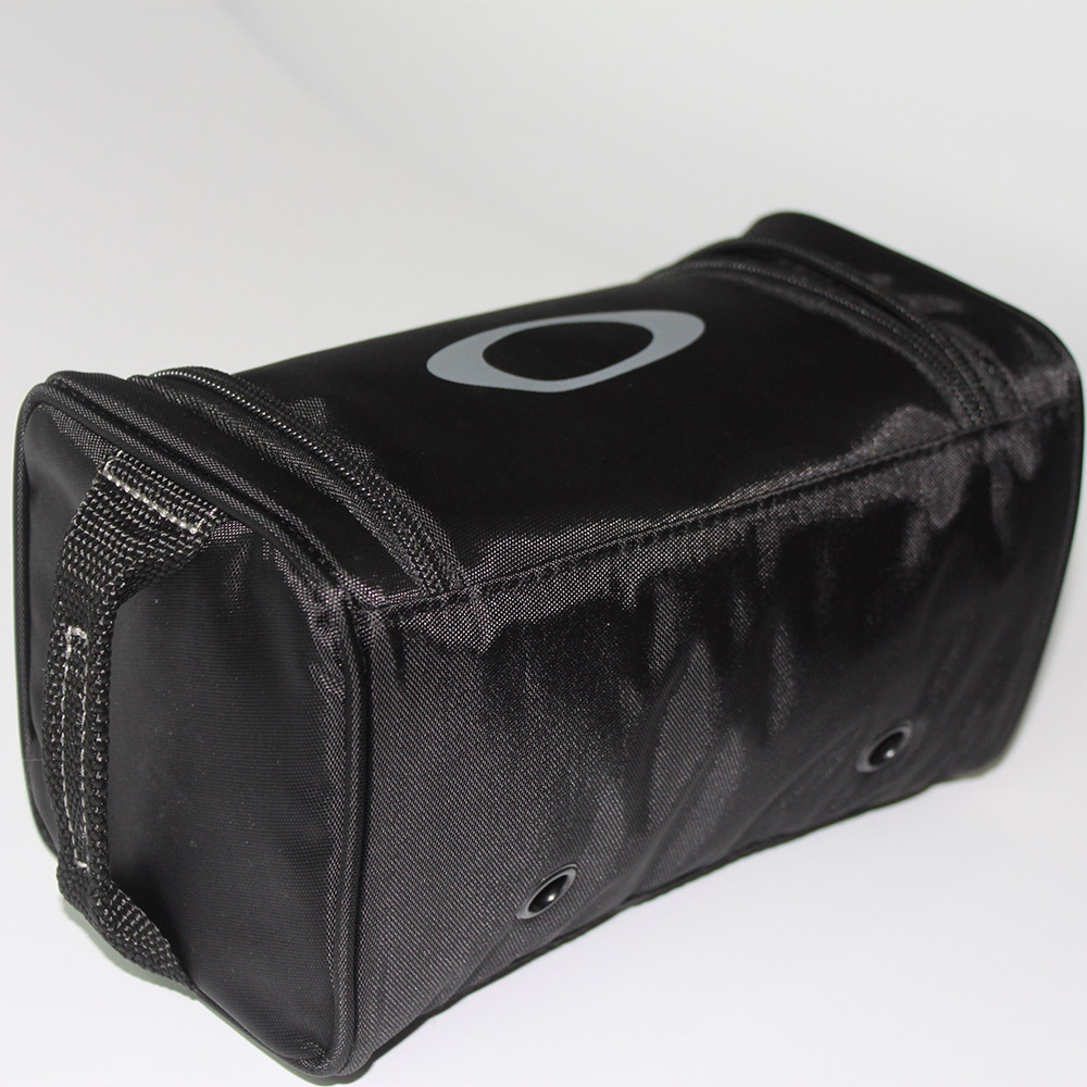 Goggle carrying case