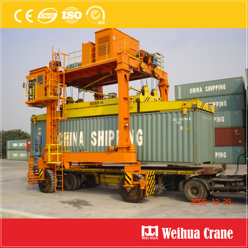 Containers Straddle Carrier