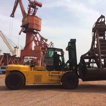20 Ton forklift with Cummins QSB6.7 engine