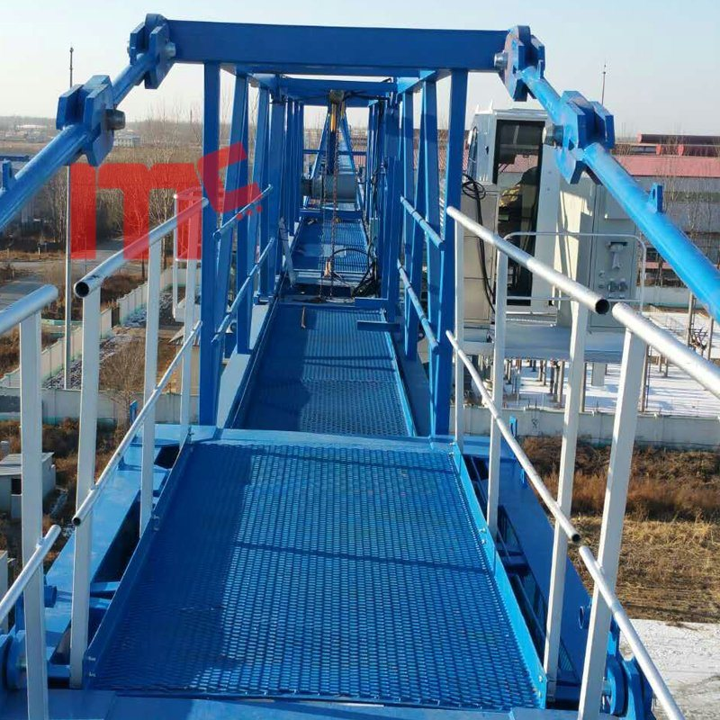 strong wind proof flat top crane