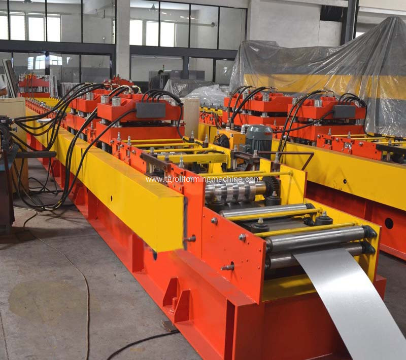 Fully automatic door frame roll forming machine