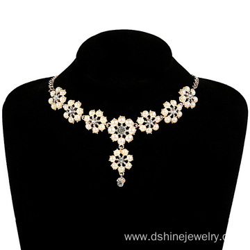 Flower Shape Graduated Pearl Necklace Bracelet Jewellery Set