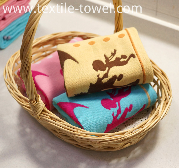 Gauze Cotton Towel with Yarn Dyed Jacquard