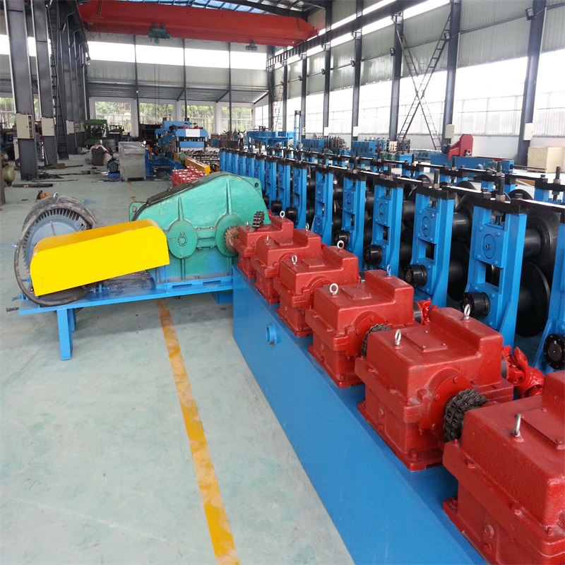 Three Waves Highway Guardrail Roll Forming Machine
