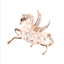Jingling Fashion new horse brooch pins