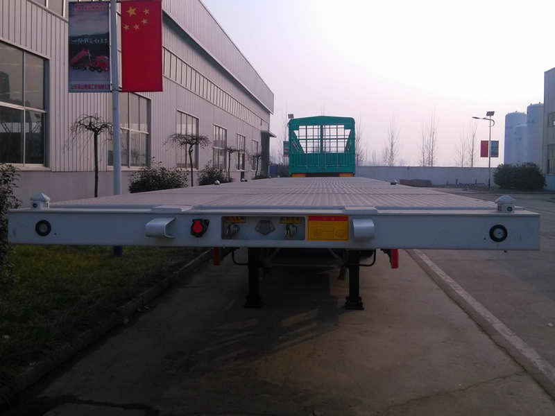 White 3 Axle Flatbed Trailer