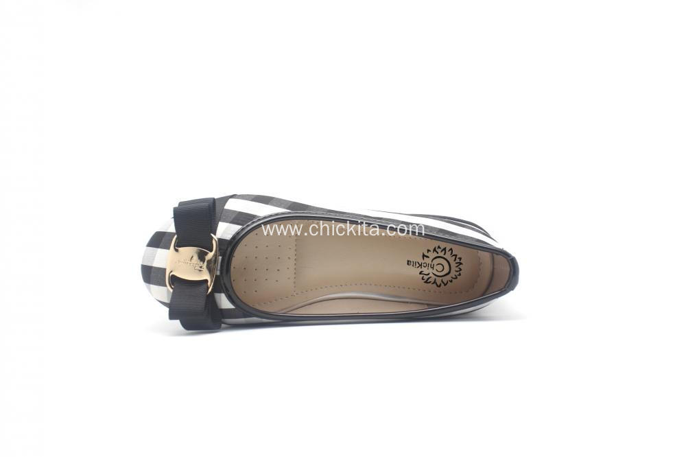 Girl's Closed Toe Closed Back Flat W/GOLD buckle