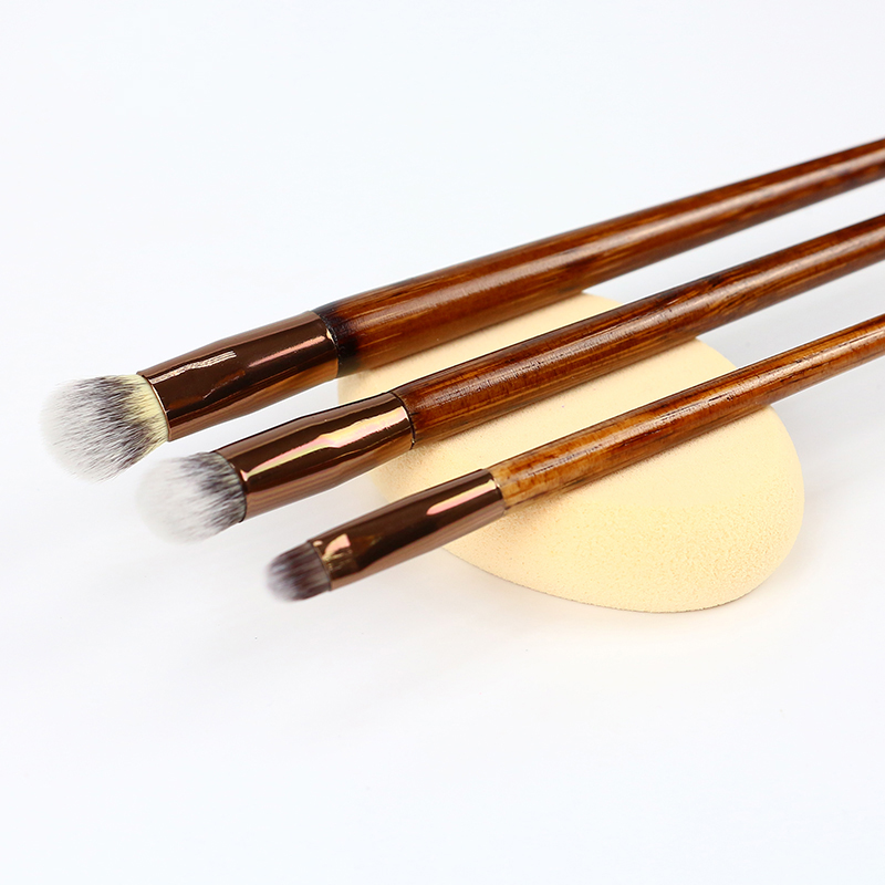 Wood Color Handle Makeup Tools Set