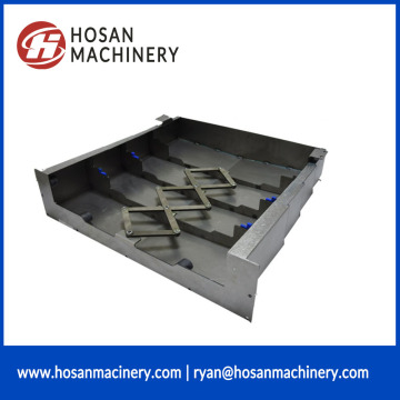 Scraper type chip conveyor