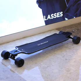 Powerful dual hub motor electric longboard