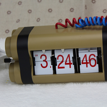 Flip Clock Like a Bomb for Table Decor