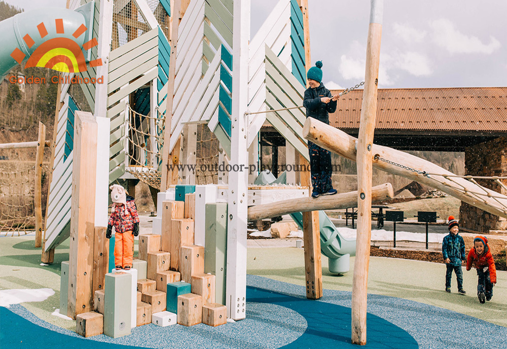 outdoor wooden climbing tower steppers