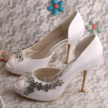 Customized Different Heels Bridal Shoe Stores