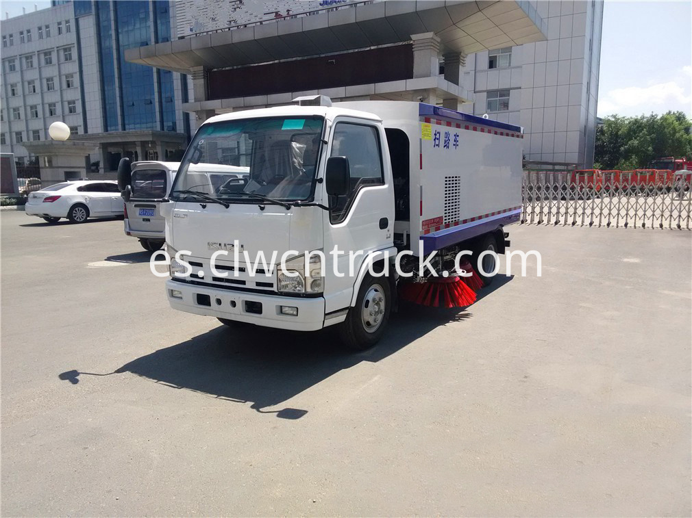 isuzu road sweeper truck 4