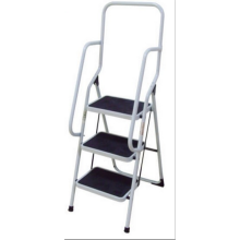 Steel ladder with wide pedal