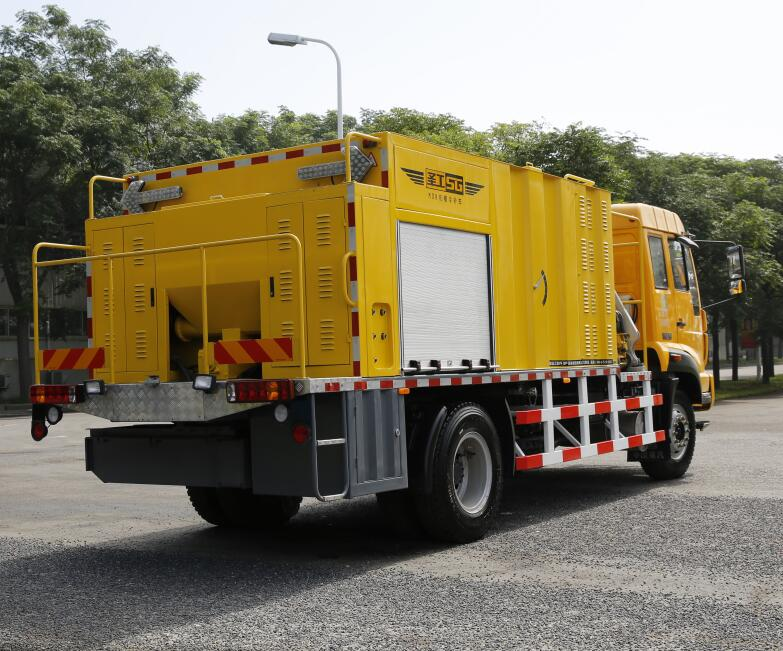 Factory cold asphalt road repairing machine for sale