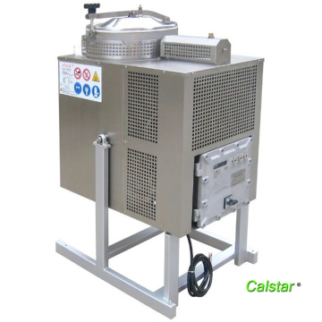 The cleaning solvent recycling machine