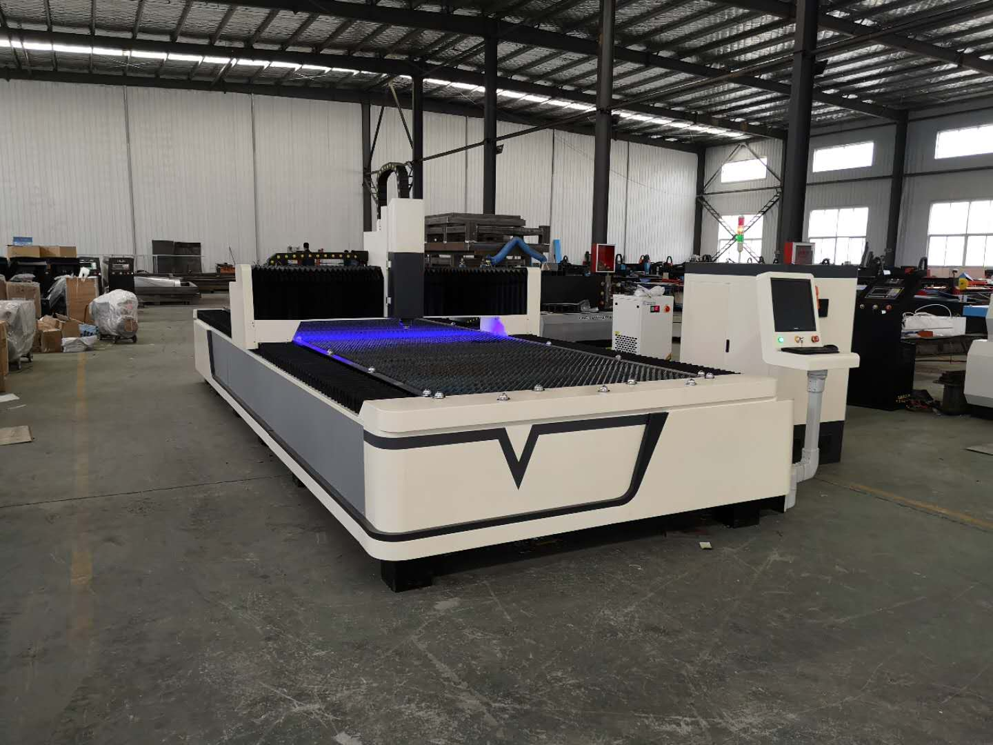 JNHX laser equipment - fiber laser cutting machine