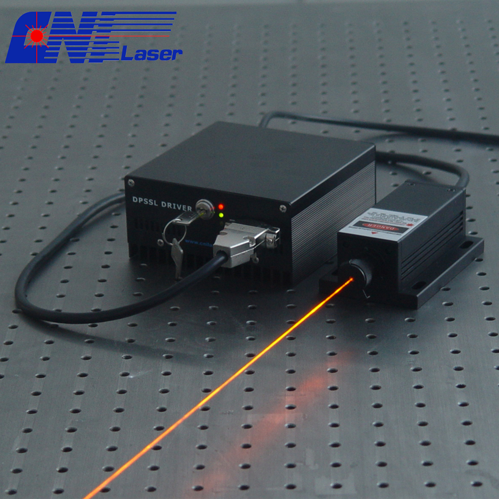 High stability 589nm yellow laser for eye surgery