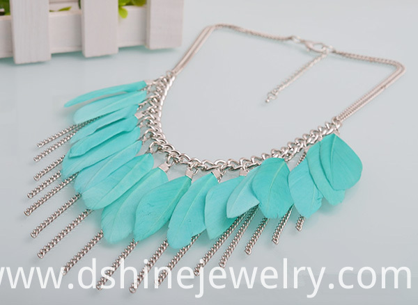 Feather Tassel Pendant Necklace