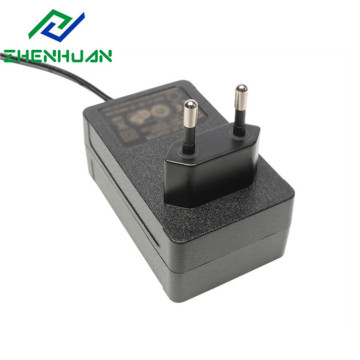 16,8W 8,4V 2000mA internasjonal laderadapter
