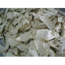 Dehydrated hot horseradish flakes