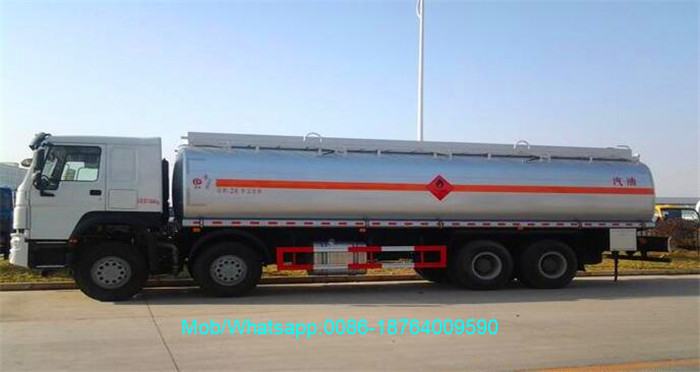 Howo 12 Wheels 8x4 Fuel Oil Delivery Trucks