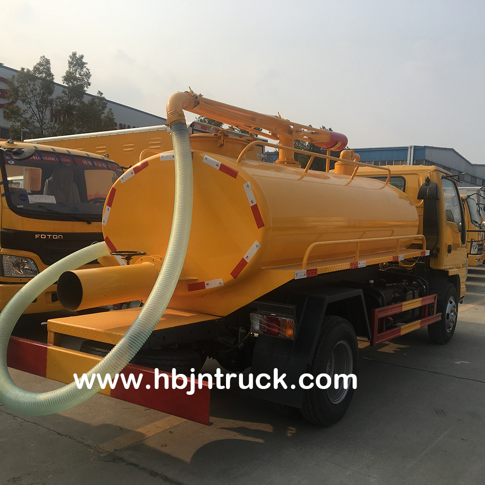 Isuzu Human Waste Suction Truck