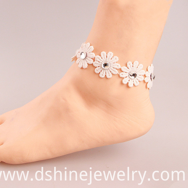 Lace Rhinestones Daisy Anklet For Bridal
