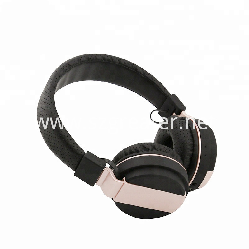 Soft And Suitable Bluetooth Headphone Stere