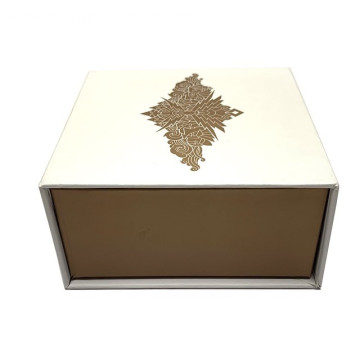 Luxury Brand Clothing Boxes With Ribbon